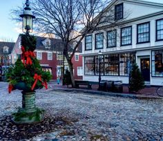 Five Things You Have To Do At Nantucket Christmas Stroll This Weekend