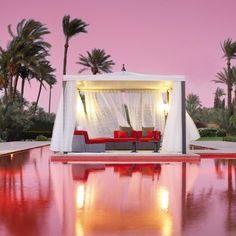 OMG RED POOL PINK SKY - feminine paradise!