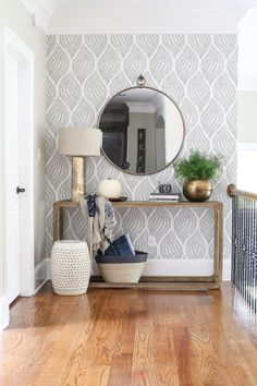 Trendy Wallpaper Accent Wall Entryway Home Decor 68 Ideas Retro Home Decor, Home Decor Styles, Home Decor Accessories, Decorative Accessories, Decoration Entree, Space Interiors, Foyer Decorating, Decorating Ideas, Decorating Kitchen