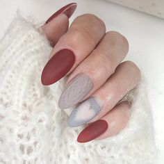"Gefällt 344 Mal, 7 Kommentare - ▪ Love Nails (@loveliness.nails) auf Instagram: ""Uwielbiam sweterki ❤ #nails #indigo #indigonails #semilac #paznokcie #hybryda #paznokciehybrydowe…"""