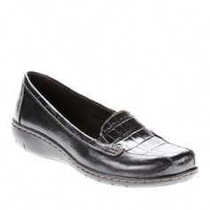 Women's Clarks, Ashland Bayou Q Slip on Shoes. Casual days can look good and be comfortable! Leather uppers Slip on style for an easy on and off Fabric linings Padded footbed with Cushion Soft technology for added comfort Manmade outsole Golf Shoes, Men's Shoes, Dress Shoes, Dance Shoes, Wide Shoes, Black Shoes, Slip On Sneakers, Slip On Shoes, Cross Training Shoes