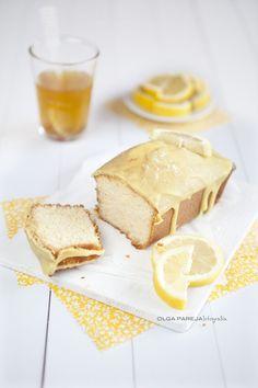 http://ninas-kitchen.blogspot.mx/2012/09/cake-glaseado-con-limon.html