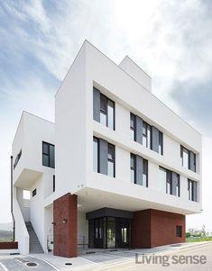 Small Buildings, Building Facade, Facade Design, Facade Architecture, Studio Apartment, Home Remodeling, Townhouse, Real Estate, Exterior