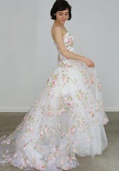 Hi Low Wedding Dress, Floral Wedding Gown, Floral Prom Dresses, Tulle Prom Dress, Wedding Dresses With Flowers, Floral Gown, Dream Wedding Dresses, Flower Dresses, Pretty Dresses
