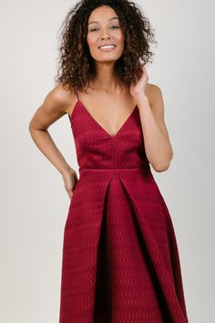 Sarah Seven - Holiday Ready To Wear - Merry Berry party dress. Mid length, midi, spaghetti strap dress with v-neck neckline, pockets, and berry red color. Christmas, New Year's Eve. #sarahseven #sarahsevendaily