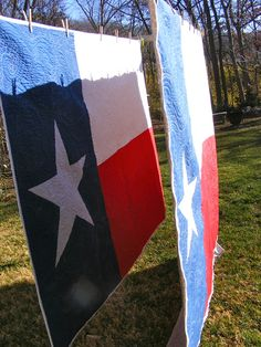 Hey there! I finished 2 more Texas flag quilts this week. The first one was a top that a friend made and I quilted it for her. Texas Quilt, Flag Quilt, Patriotic Quilts, Quilt Blocks, Fabric Crafts, Sewing Crafts, Sewing Projects, Sewing Tips, Sewing Ideas