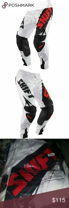 🆕Shift Racing Chad Reed Replica Pants Motocross 900D polyester main body material for enhanced durability Ergonomic pre-curved RAP construction for a perfect fit in the ride position Quad stretch rear yoke allows pant to move with the rider Double layer knee panels for enhanced durability High abrasion woven inner knee panel with heat and abrasion outer panel Active stretch knee panel for nonrestrictive fit over knee braces and guards Laser perforated panels for enhanced airflow Quad…