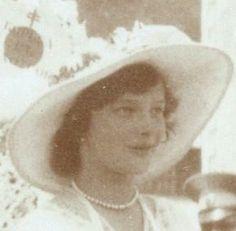Grand Duchess Tatiana Romanov. Such a beautiful picture of her.