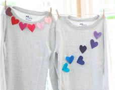 Felt heart applique shirts for Valentine's Day Diy Gifts To Make, Diy Gifts For Kids, Valentine T Shirts, Valentines For Kids, Homemade Valentines, Kind Und Kegel, Diy Kleidung, Diy Vetement, 19 Kids