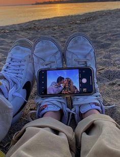 Photos Bff, Cute Couples Photos, Cute Couple Pictures, Cute Couples Goals, Friend Pictures, Couple Photos, Teen Couples, Romantic Couples, Couple Goals Relationships