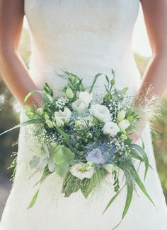 The farm wedding of Tim & Dorine - Wedding Decorations 2019 ideas Cascading Wedding Bouquets, Prom Flowers, Bride Bouquets, Wedding Flowers, Farm Wedding, Blue Wedding, Floral Wedding, Wedding Fotografie, Wedding Centerpieces
