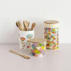 3 pots en porcelaine - Mini labo pour Atomic soda - photo : Melanie Rodriguez