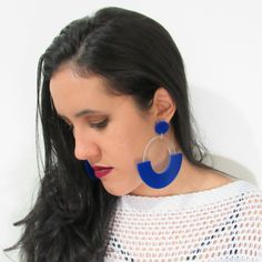 Para inspirar a nossa Sexta feira , apresento a vocês esse maxi brinco de  acrílico  azul lindíssimo,  para uma produção  extravagante e moderna essa  é  uma  ótima  escolha ,  aproveite para comprar aqui: 💻 www.minhanovabiju.com.br  #minhanovabiju #acessoriosfemininos #acrilico #brinco #maxi #maxibrinco #lojavirtual #bijuterias #tendencia #verao2017 #siteseguro #siteresponsivo #compreaqui #varejoonline #enviamosparatodobrasil