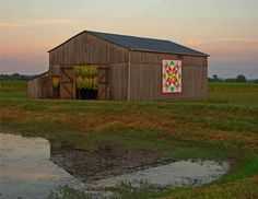 CENTRAL KENTUCKY BARN QUILT TOUR    Follow the Barn Quilt Trail of Washington County, Kentucky     Some regions decorate their downtowns with murals and sculptures, others create a colorful display by painting their town fire hydrants and electrical boxes