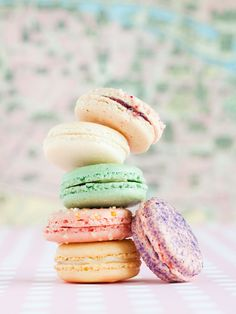 speckled.: macarons!
