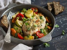 Chicken With Bread Crumb Herb Topping And Fresh Vegetables