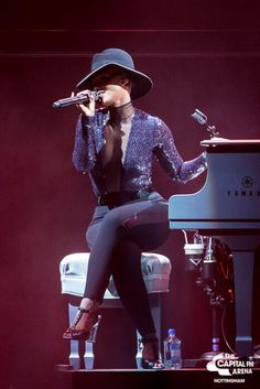 Alicia Keys -official girl crush ❤ New Hip Hop Beats Uploaded EVERY SINGLE DAY  http://www.kidDyno.com