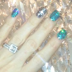 Glitter Nails!   http://candyfairyblogs.blogspot.com.au/2014/09/nails-of-day-turquoise-silver-pinterest.html   #bbloggers #bbloggersau #beautybloggers #beautyguru #australianbeautyblogger #beautyproducts #bblogger #bbloggeraustralia #bbloggersoz #fashionbloggers #nailpolish #glitternails #notd #nailsoftheday #bbloggersaus #brisbaneblogger #brissieblogger #australianfashionblogger
