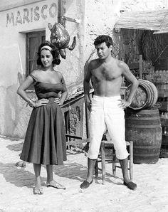 Eddie Fisher visits Elizabeth Taylor on the set of Suddenly, Last Summer (1959)