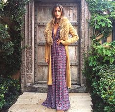 Boho Street Style Inspiration: Printed Maxi Dress + Faux-Fur Collared Long Cardigan Fall Look #johnnywas