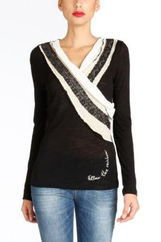 Desigual long sleeved women's T-shirt from the Rainbow collection. Black colored V-neck T-shirt with white and beige . You will light up the Night!