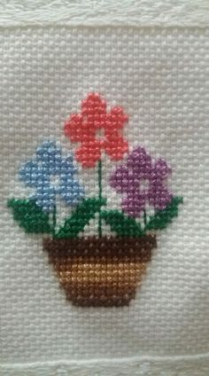 Tiny Cross Stitch, Cross Stitch Bookmarks, Cross Stitch Flowers, Cross Stitch Designs, Cross Stitch Patterns, Cross Stitching, Cross Stitch Embroidery, Hand Embroidery, Loom Patterns