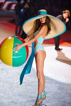 One of my fav model in VS. She didnt given the title of an Angel but still shes one of the necessary model in VS