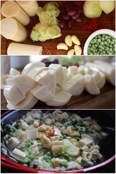 Refogado de palmito, é muito gostoso, super saudável e magro. Leva azeite, alho, cebola, alho poro, ervilhas frescas e pimenta dedo de moça. Muito simples de fazer e para lá de delicioso, ideal para fazer montar empadão, panqueca, cuscuz, servir sobre a polenta, acompanhar massa al dente e arroz branco bem soltinho. Comidas Light, Go Veggie, Clean Eating, Healthy Eating, Vegetarian Recipes, Healthy Recipes, Salty Foods, Portuguese Recipes, Vegan Foods
