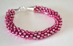 Egle: braccialetto kumihimo con perline