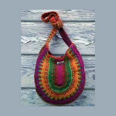 Ravelry: SLIP STITCH FELTED BAG pattern by Irina Poludnenko