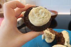 paleo chocolate cupcakes Paleo Chocolate, Chocolate Cupcakes, Paleo Treats, Yummy Treats, Real Food Recipes, Sugar, Healthy, Desserts, Tailgate Desserts