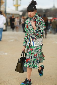 Susie Bubble layered up in pretty prints. #streetstyle at Paris Fashion Week Fall 2014 #PFW