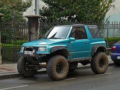 Suzuki Vitara, solid front end
