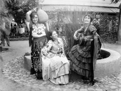 """April 20, 1930: Olvera Street opened as a """"Mexican Street of Yesterday in a City of Today."""""""