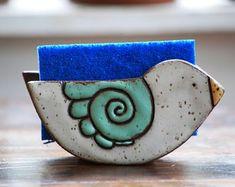 This listing is for one ceramic sponge holder in the peace bird design. Each sponge holder is handma Hand Built Pottery, Slab Pottery, Ceramic Pottery, Thrown Pottery, Pottery Vase, Pottery Shop, Handmade Pottery, Handmade Ceramic, Pottery Studio