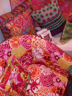 Kaffe Fassett quilt 101_0103 by claire@paintdropskeepfalling.wordpress.com, via Flickr