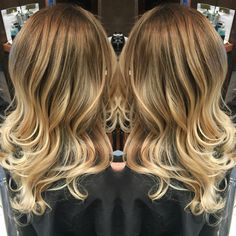 Mirror effect soft blonde beigy balayage