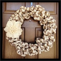 DIY burlap wreath!