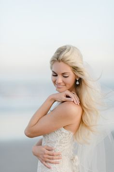 How stunning is this Stone Harbor bride? http://www.stylemepretty.com/vault/gallery/38343   Photography: Rachel Pearlman - http://www.rachelpearlmanphotography.com/