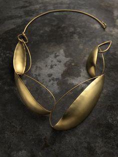Delphine Nardin | Bijoux | Gipsy earrings, gold plated on brass