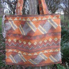 Grand sac tote-bag / fourre-tout / sac à ouvrages doublé, imprimé ethnique marron , gris, beige, orange,  rouille