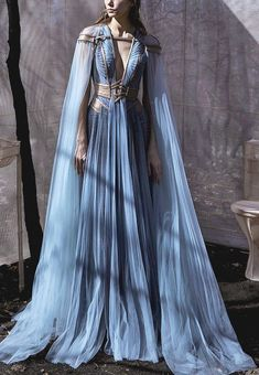 It All Comes Crashing Down One Big Beautiful Sound — evermore-fashion: Hassidriss 'Oblivion' Spring 2020 Haute Couture Collection Ball Dresses, Ball Gowns, Pretty Dresses, Pretty Outfits, Kleidung Design, Fantasy Gowns, Fantasy Clothes, Fantasy Outfits, Fantasy Costumes