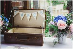 #Vintage suitcase for #wedding cards