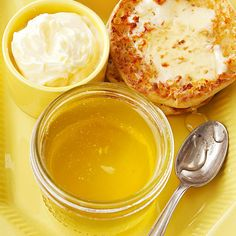 Lemon-Honey Jelly If you're a sweet-and-sour fan, you'll love this sunny jelly recipe. The bright flavor of lemon gets a lightly sweet infusion of honey. Homemade Jelly and Jam Recipes Jelly Recipes, Lemon Recipes, Jam Recipes, Canning Recipes, Lemon Jelly Recipe, Canning Tips, Cooker Recipes, Homemade Jelly, Homemade Food Gifts