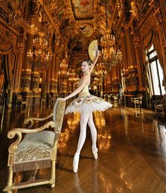 Hmmm, I am not sure if I actually like it because it is too complicated, too luxury. Ballet Images, Ballet Photos, Ballet Tutu, Ballerina Dancing, Ballet Dancers, Ballet Beautiful, Show Dance, Just Dance, Dance Art