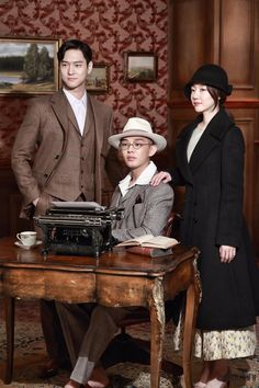 Chicago typewriter One of the underrated korean drama. It's a must watch Korean Celebrities, Korean Actors, Korean Dramas, Celebs, Drama Film, Drama Movies, Korean Drama 2017, Netflix Dramas, Best Kdrama