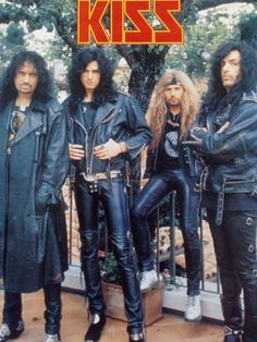 They never looked cooler out of makeup than this era. Kiss Images, Kiss Pictures, Paul Stanley, Gene Simmons, Kiss Without Makeup, Rock Y Metal, Rock Poster, Vintage Kiss, Kiss Art