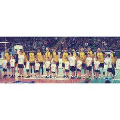 Drużyna!💛 #team#teamskra#skra#skrabełchatów #yellowblack#goskra#volleyball#volleyballteam