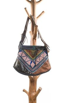 Boho chic schoudertas, leather bag made with authentic vintage fabrics, beautiful colours and paterns, one of a kind