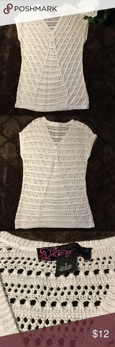 EUC White Crochet Knit Top, S Excellent used condition. No rips, tears or stains. Beautiful white sleeveless crochet top. Worn only once. Small. 73% cotton, 27% rayon. 17' pit to pit. 28' shoulder to waist. Peck & Peck Tops Tunics